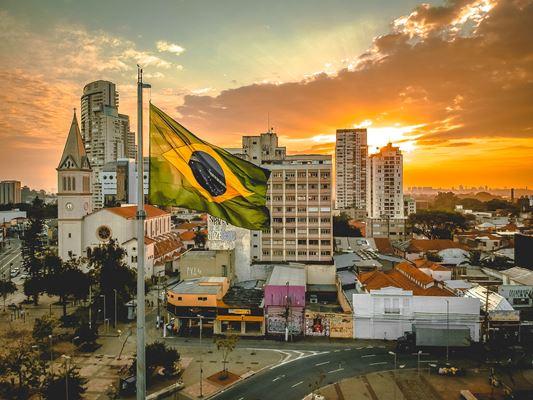 bandeira-brasil-cidade